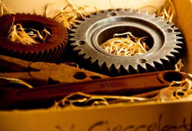 can_you_guess_what_makes_these_old_tools_so_famous_B02zu_640_03