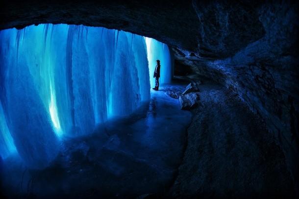 FrozenWaterfalls03-610x406