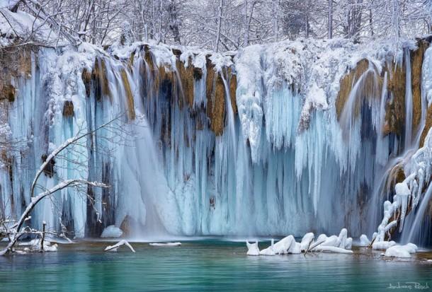 FrozenWaterfalls06-610x413