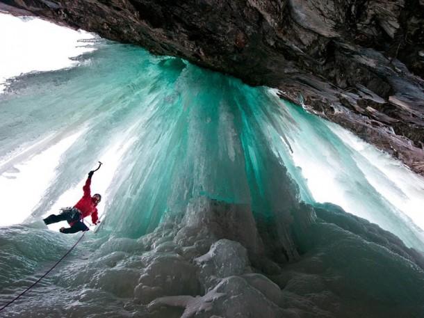 FrozenWaterfalls09-610x457
