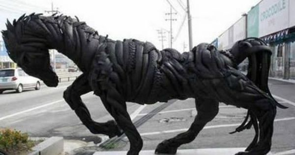 sculptures_made_out_of_used_tyres_03