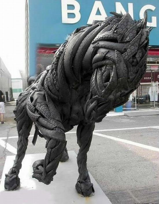 sculptures_made_out_of_used_tyres_08