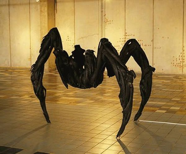 sculptures_made_out_of_used_tyres_11