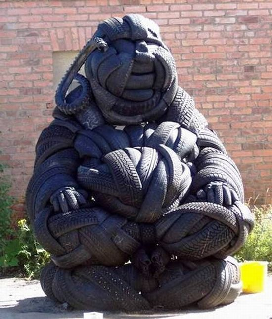 sculptures_made_out_of_used_tyres_13
