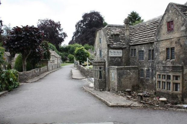 a_fascinating_little_english_village_640_01