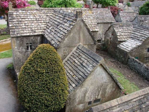 a_fascinating_little_english_village_640_03