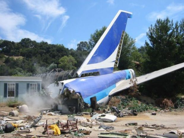 what_used_to_be_a_boeing_747_for_steven_spielbergs_movie_640_01