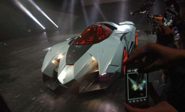a_sleek_new_lamborghini_concept_car_640_03