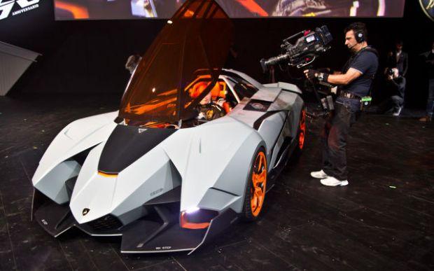 a_sleek_new_lamborghini_concept_car_640_17