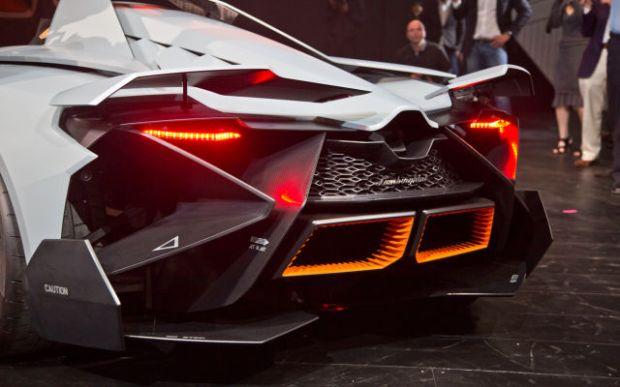 a_sleek_new_lamborghini_concept_car_640_20