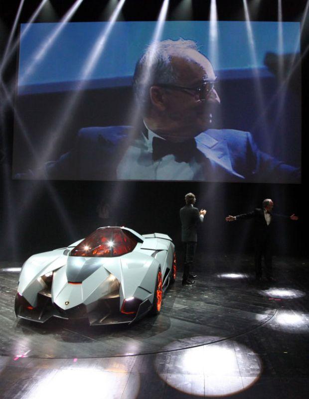 a_sleek_new_lamborghini_concept_car_640_high_14