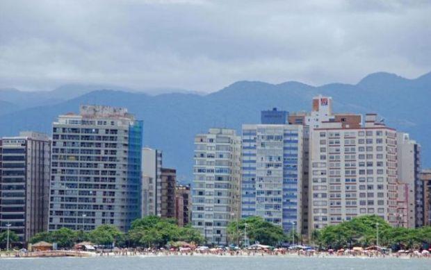 the_lopsided_city_of_brazil_640_01