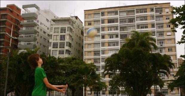 the_lopsided_city_of_brazil_640_02