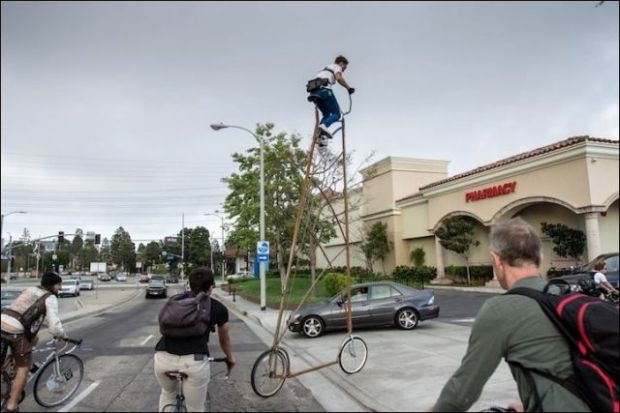 the_worlds_tallest_bicycle_640_04