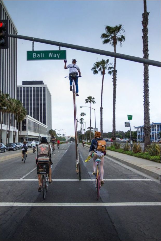 the_worlds_tallest_bicycle_640_high_07