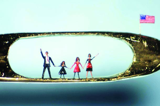 willard-wigan-micro-sculptures-11
