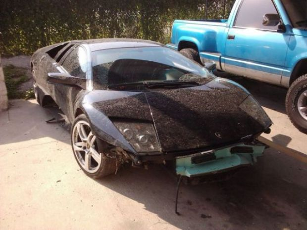 lamborghini_survives_only_one_day_with_its_new_owner_640_04