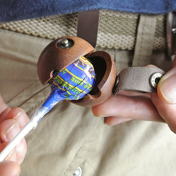 leather-wood-lollipop-case