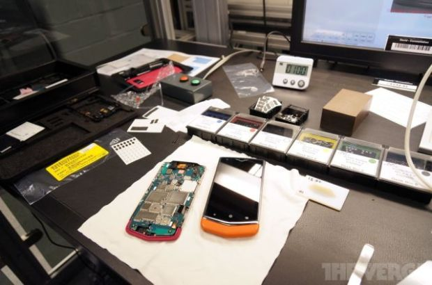 the_making_of_the_worlds_most_expensive_phone_640_11