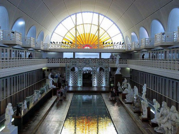 old_town_swimming_pool_converted_into_a_magnificent_museum_for_tourists_640_14