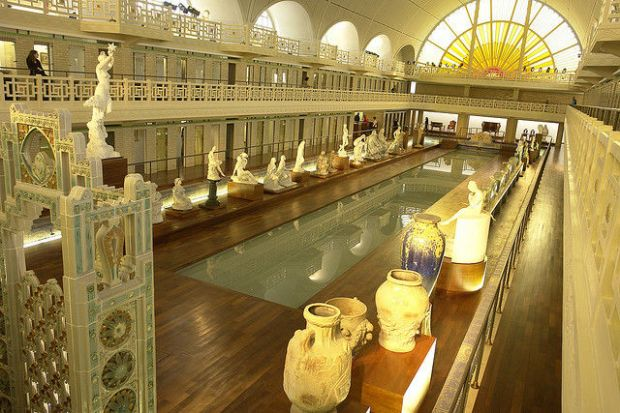 old_town_swimming_pool_converted_into_a_magnificent_museum_for_tourists_640_18